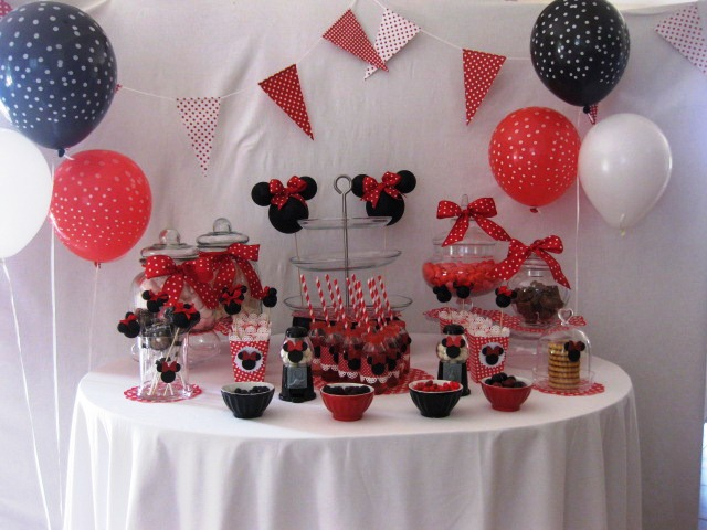 anniversaire minnie. Black Bedroom Furniture Sets. Home Design Ideas