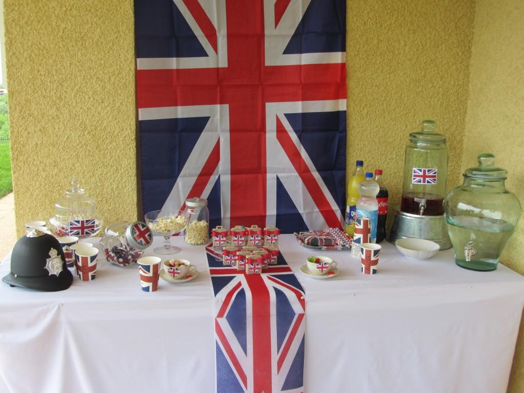 Scrapines - Sweet table London