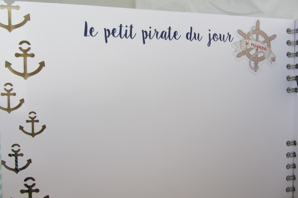 Riveli pour www.scrapines.fr Livre d'or pirate